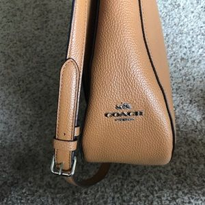 Coach Bags - Coach Pebble Leather Shoulder Hobo Purse
